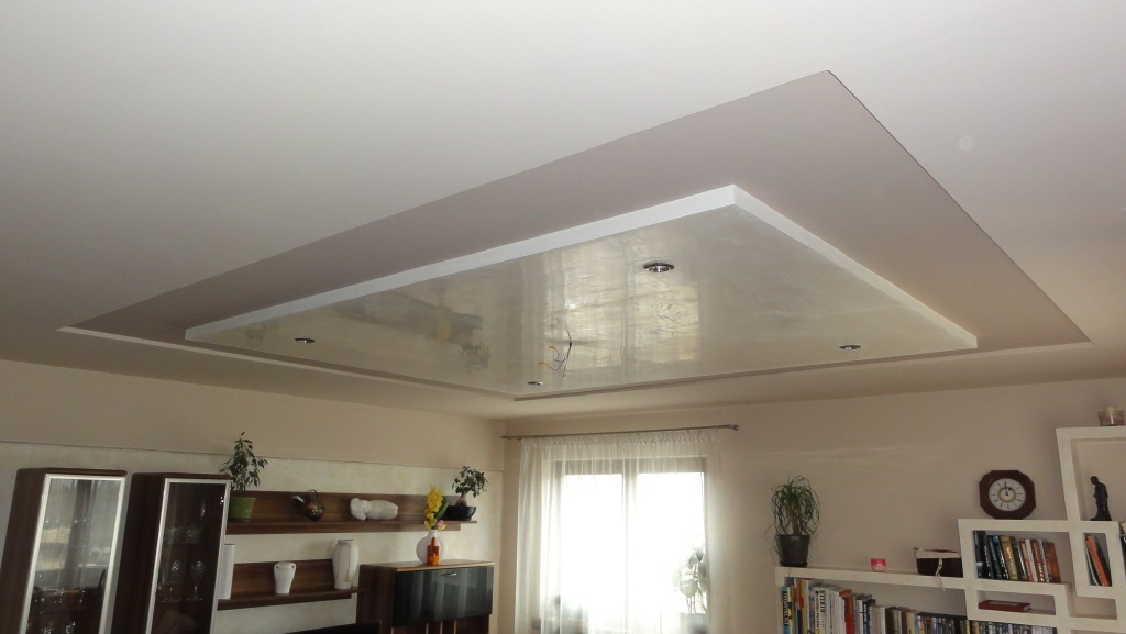 Reduced ceiling with different heights